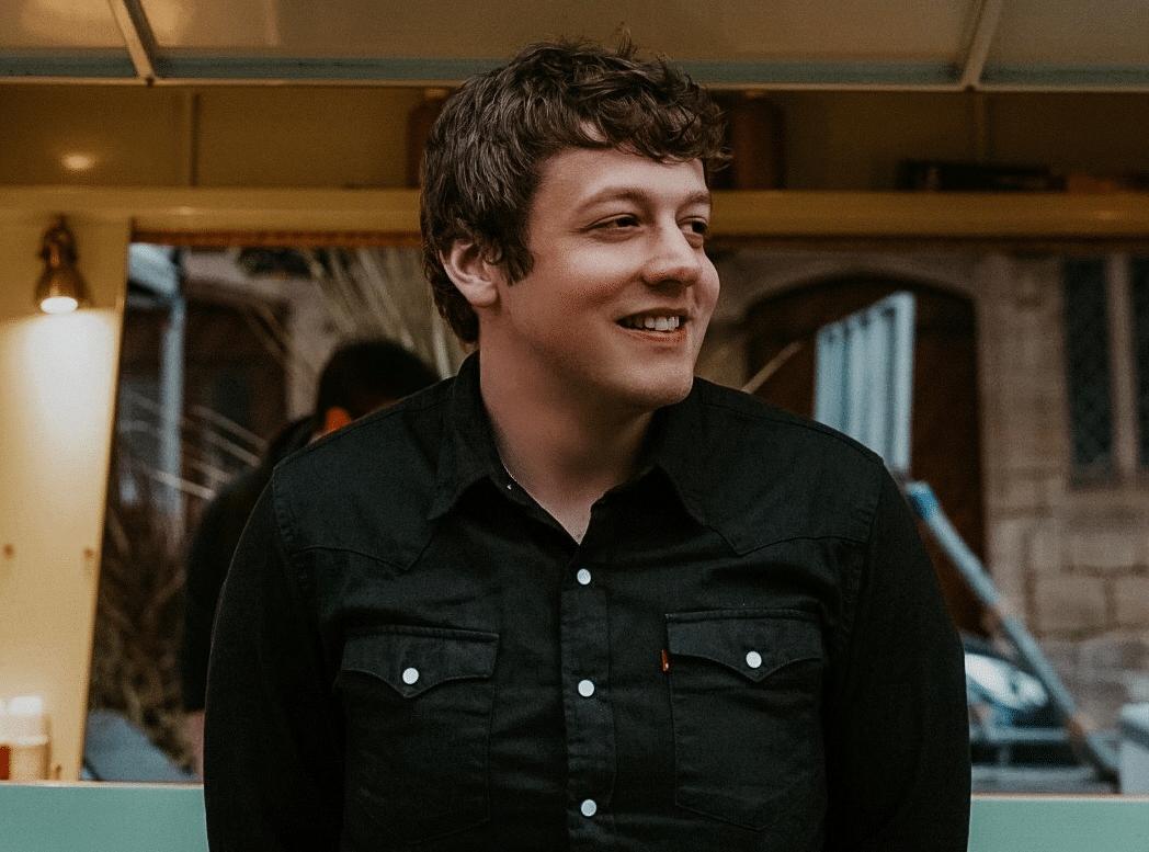 UK Singer-Songwriter Conrad Ashton talks his new EP No Post On Sundays