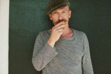 Foy-Vance_Press-Photo_9-Color_905.jpg