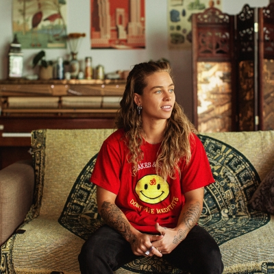 Tash-Sultana-press-shot-2020-credit-@daramunnis.jpg