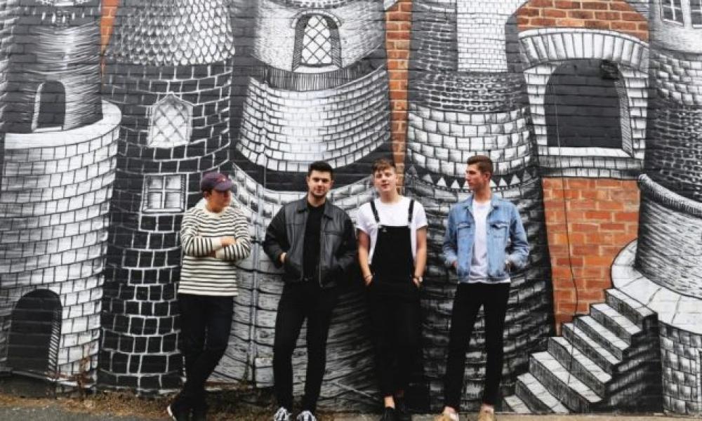 The-Covasettes-wild-single-press-shot-2018-1.jpg